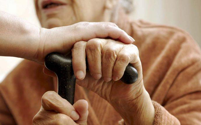 Desafios para o cuidado digno em instituições de longa permanência
