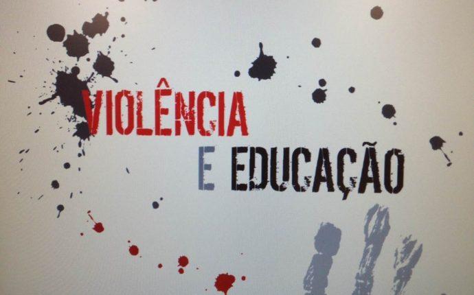 Práticas educativas sobre violência contra a mulher na formação de universitários