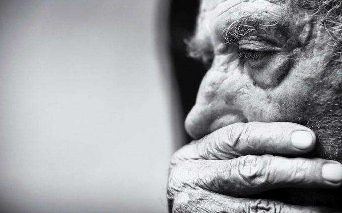 Envelhecimento e doença de Alzheimer: reflexões sobre autonomia e o desafio do cuidado