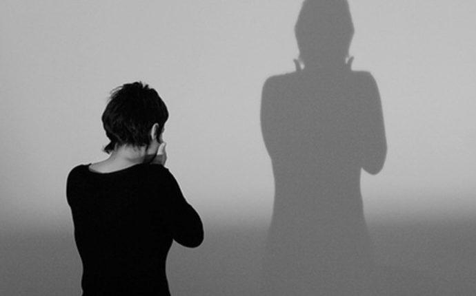 Conflitos éticos e limitações do atendimento médico à mulher vítima de violência de gênero